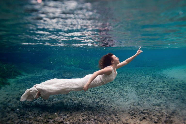 Underwater wedding photoshoot at kelly rock springs