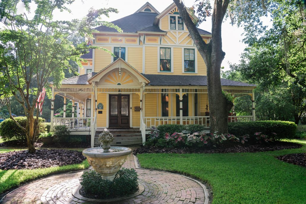 laurel oaks inn in gainesville florida, bed and breakfast and wedding venue