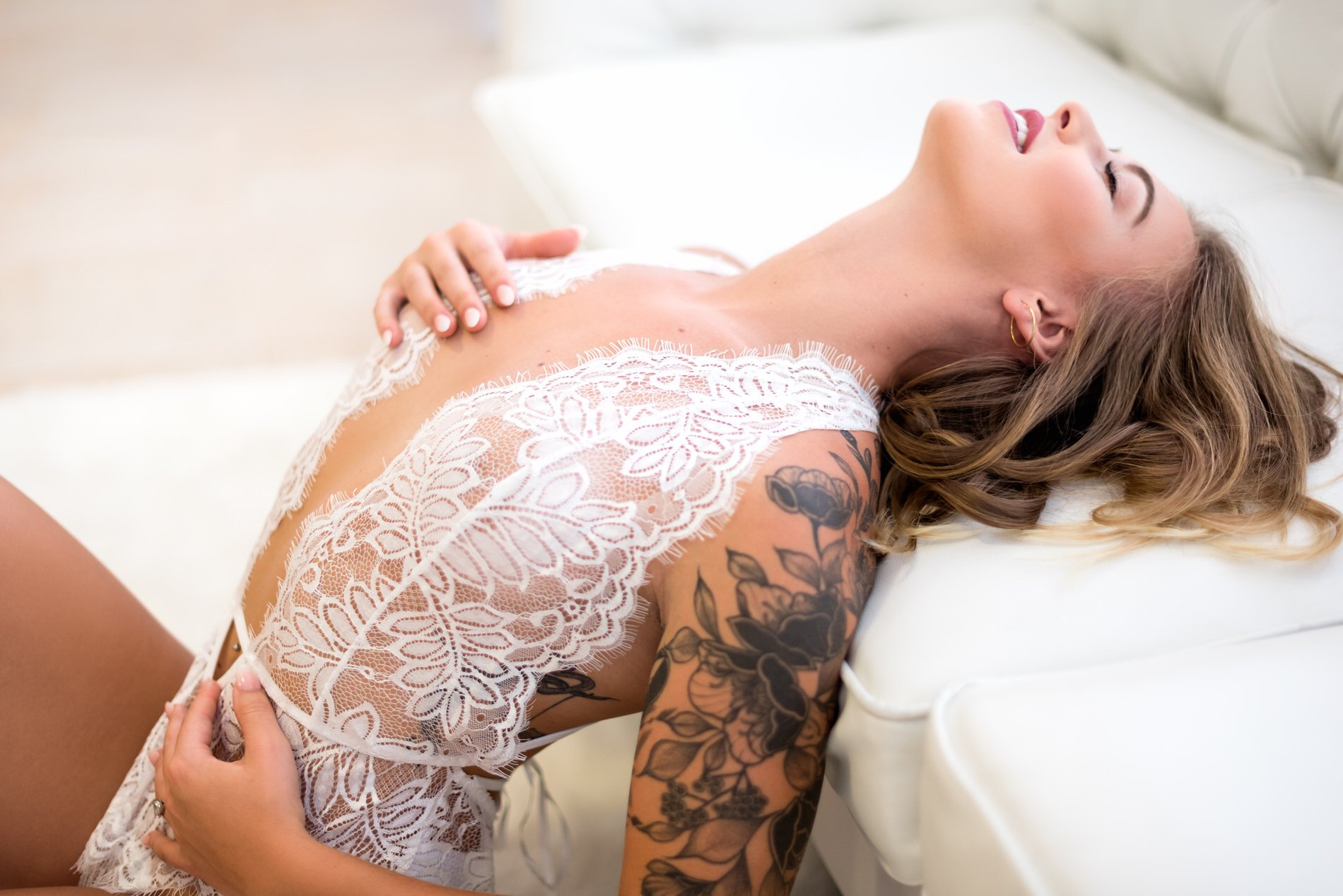 boudoir photography helps clients feel comfortable in their own skin at water bear photography is gainesville florida